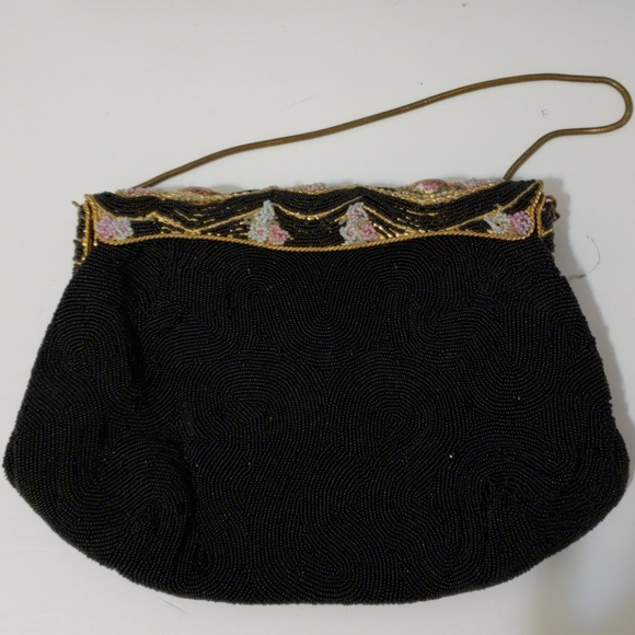 64666ca789bb1 Vintage beaded French cameo bag